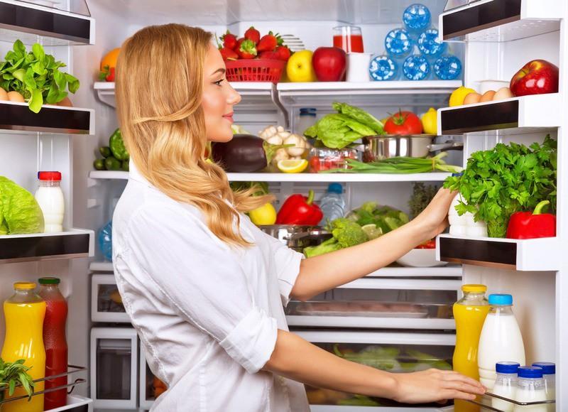 Продукты, которые нежелательно хранить в холодильнике