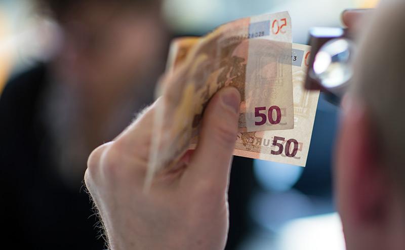 Руссо туристо, берегись в Прибалтике поддельных евро