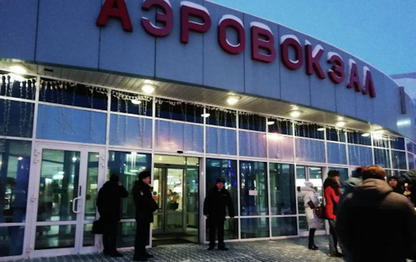 Официально: Мужчина, который пытался изменить курс самолёта рейса Сургут-Москва, задержан