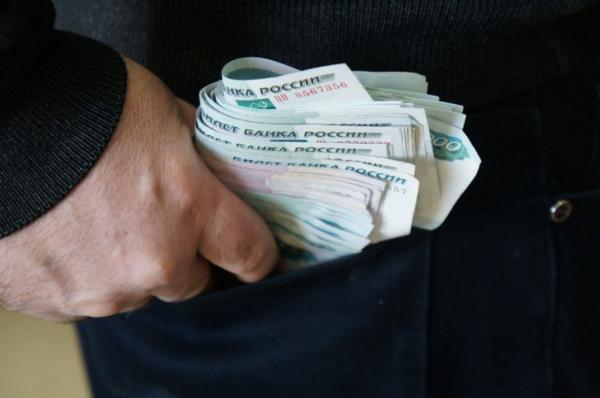 Почти 700 тысяч рублей присвоил торговый представитель в КБР