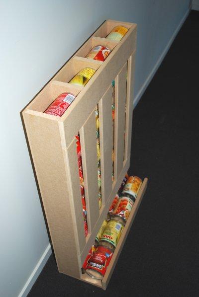 Идея для хранения консервов и обеспечения их максимально-правильной ротации