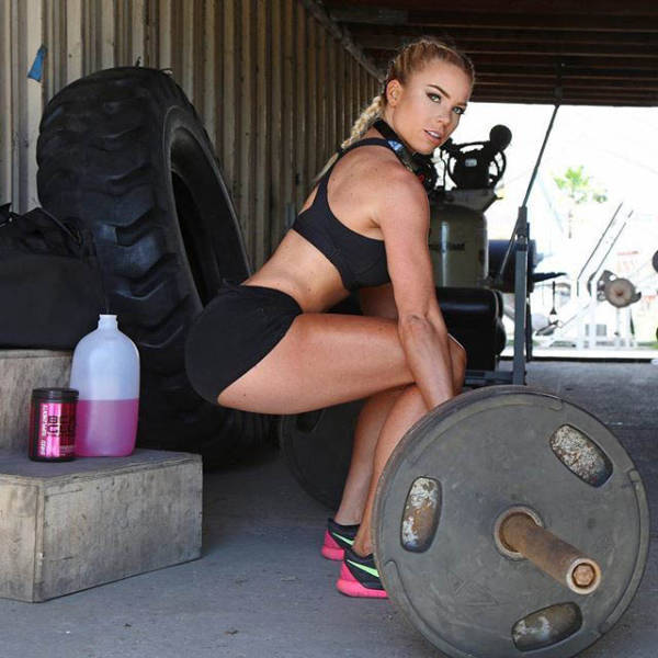 Fit Girls That Are Almost Too Hot to Handle (57 pics)