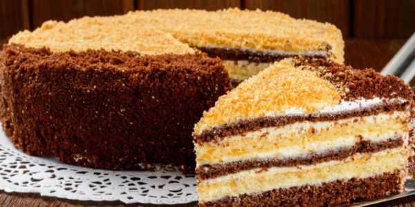 Торт «Сметанник» с разными коржами