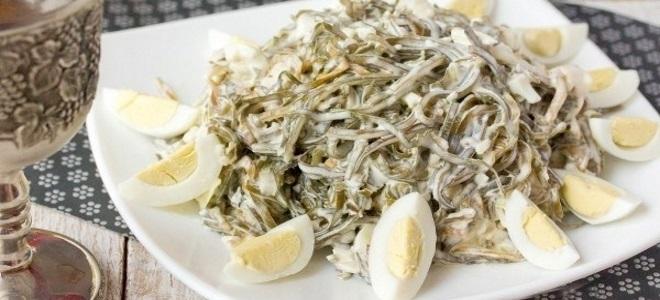 салат с морской капустой и яйцом – рецепт