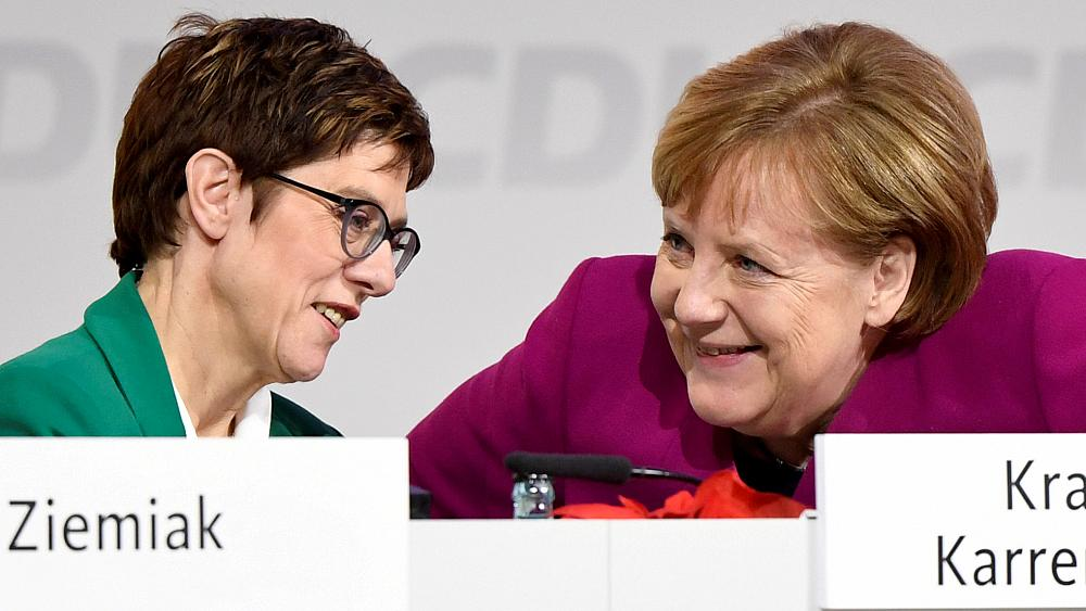 «Она не мини-Меркель»: как преемница канцлера будет разгребать проблемы в Германии (ФОТО)