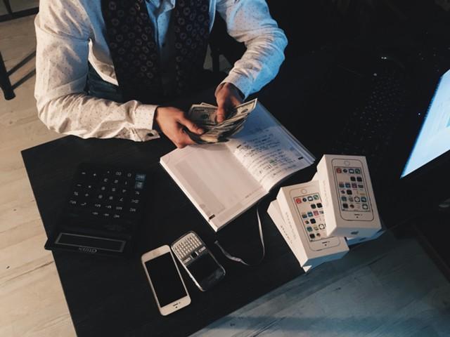 10 полезных привычек богатых людей