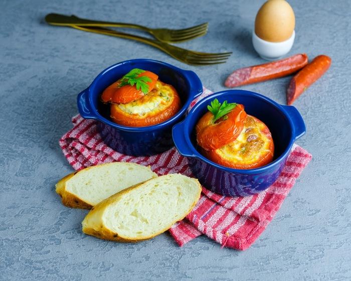 Омлет в помидорах.  Фото: blogspot.com.
