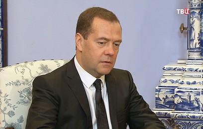 Медведев встретился с главой ВОЗ Тедросом Адханомом