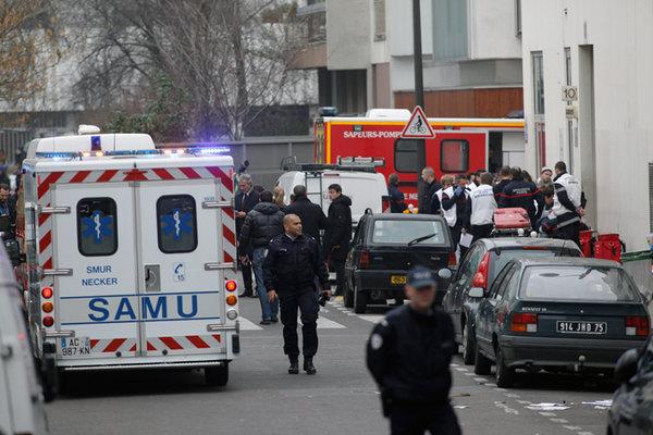 Террористы из ИГ устроили теракт в центре Парижа