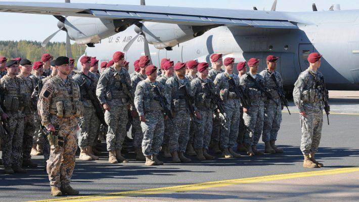 «Русские могут войти в Европу, если там не будет США»: немецкий эксперт озвучил сценарий военного объединения РФ и ЕС.