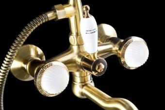Винтажный стиль в ванной: выбираем смеситель под бронзу