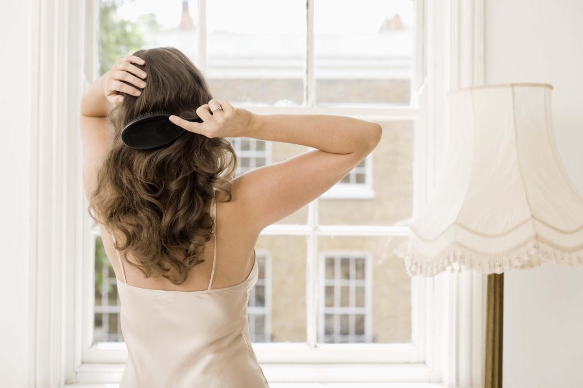 Как укрепить корни волос: домашние средства