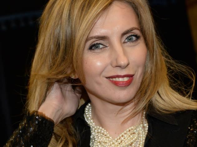 49-летняя Бондарчук в фантастическом платье-хамелеон вызвала переполох в соцсети