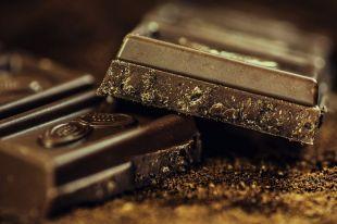 Проверит ли Роспотребнадзор, почему горит шоколад?