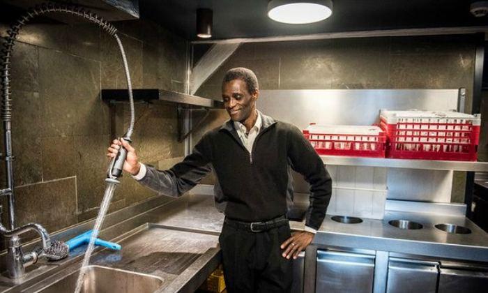 Посудомойщик стал совладельц…
