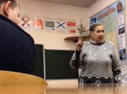 «В советское время был бы расстрел». Педагог отчитала учеников из-за фразы о Путине