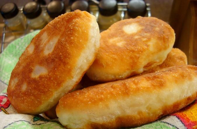 Воздушные жареные пирожки с картошкой