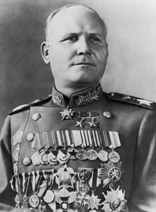 Сталинские «Десять ударов» как наступательные операции Советских войск.