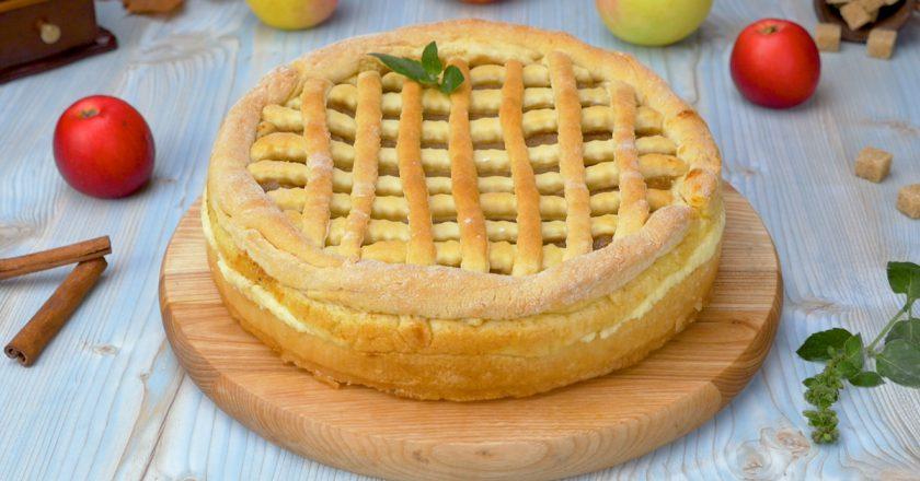 Яблочный пирог с творогом: очаровательная деревенская выпечка