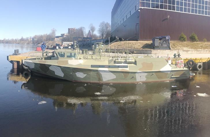 """Спущен на воду патрульный катер """"Раптор"""" проекта 03160"""