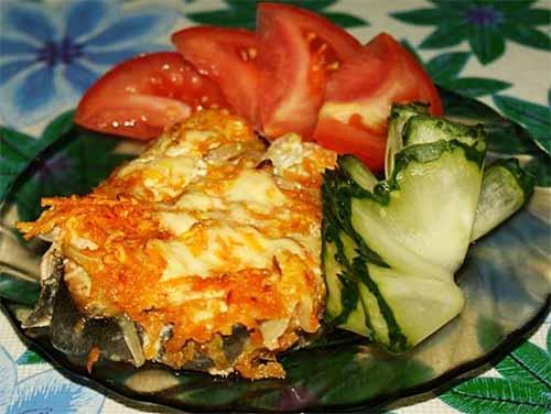 Рыба с луком и морковью в духовке