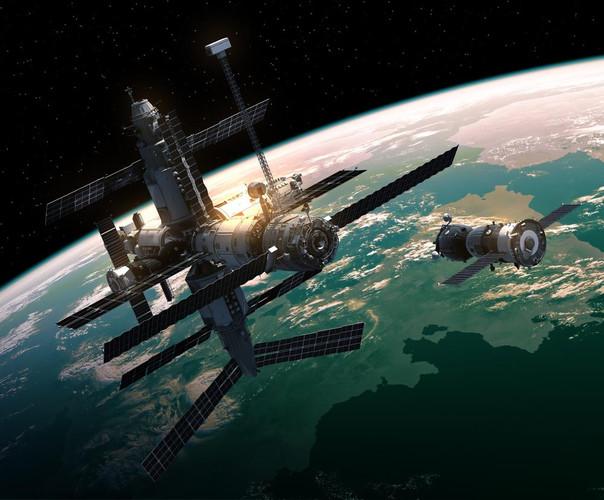 Уфолог Скотт Уоринг доказывает, что МКС находится на Земле