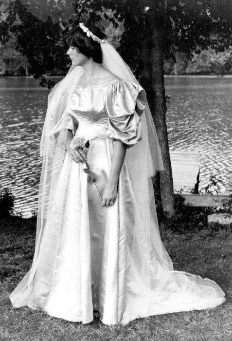 Невеста № 6: Лесли Кингстон, которая вышла замуж за Ричарда Т. Кингстона в 1977 году.