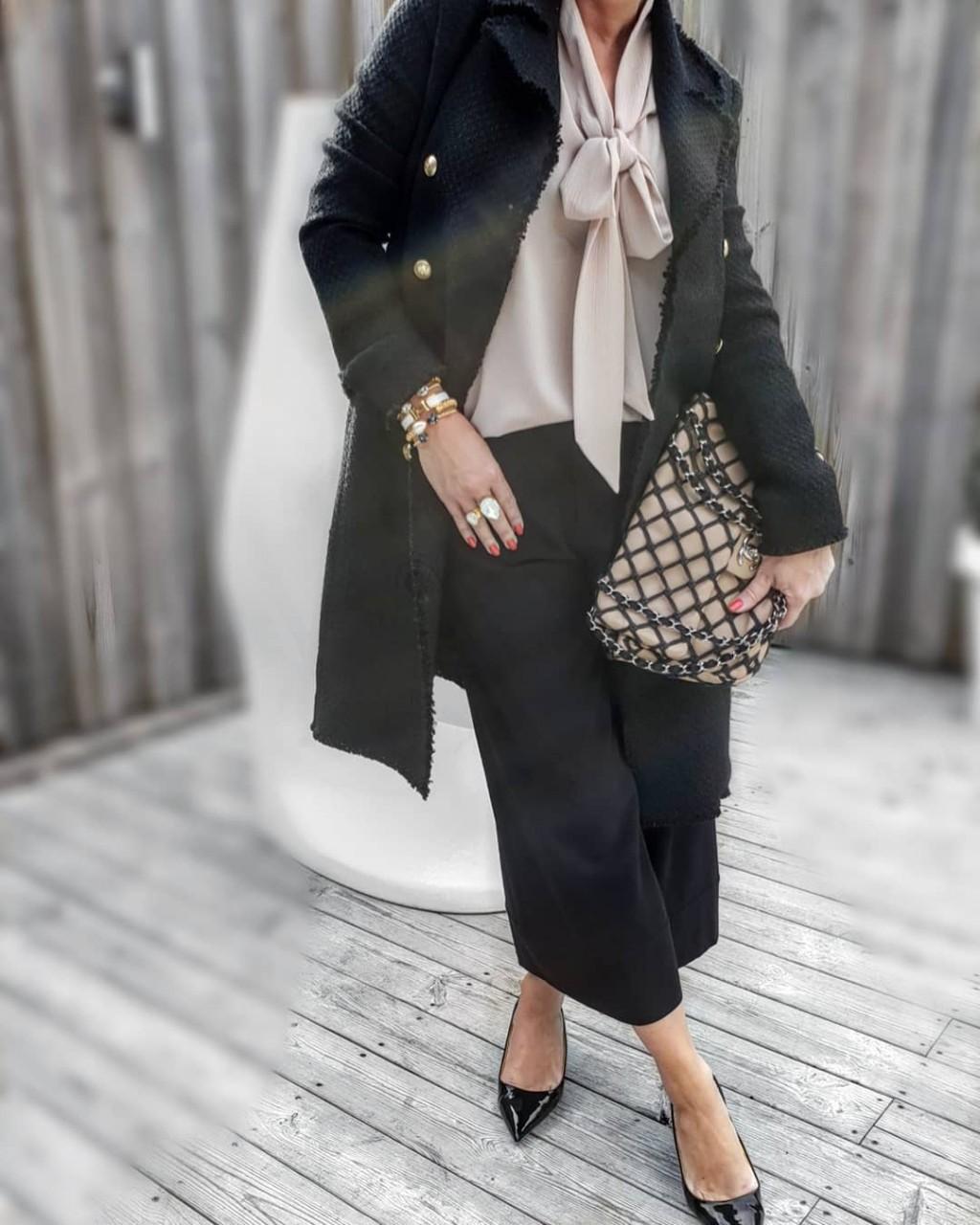 Как одеться в стиле Шанель в 21 веке и выглядеть современно? Разбираемся!