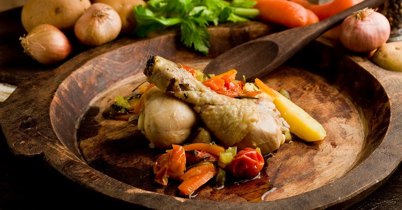 Зачем готовить курицу в трехлитровой банке