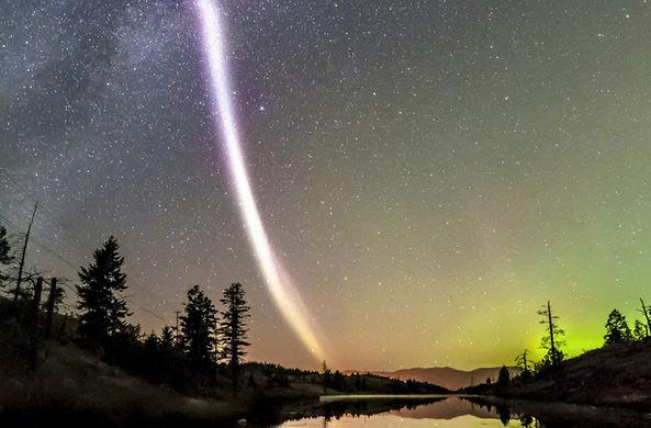 Ученые дали объяснение загадочной «протонной радуге»