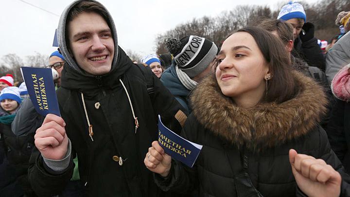 Олигархи убедили чиновников: Россия недостаточно богата, чтобы иметь хорошее образование