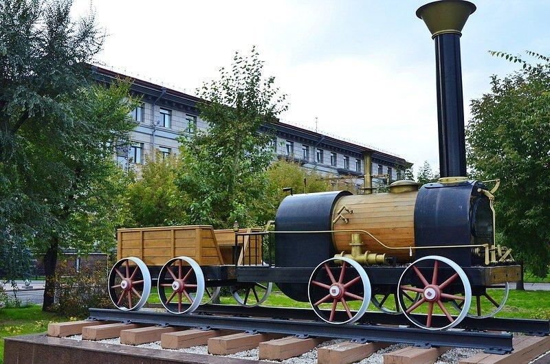 Краткая история российского паровоза
