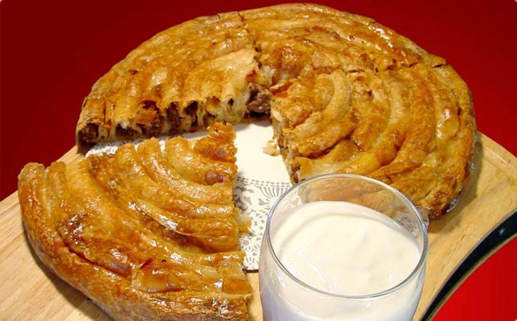Кулема: мясной пирог, который обожают мужчины. Обязательно приготовьте!