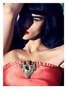 Кристал Ренн (Crystal Renn) в фотосессии Камиллы Акранс (Camilla Akrans) для Vogue Japan (июнь 2012