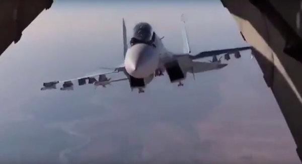 """""""Как русские это делают?"""" - В сеть попало видео, на котором Су-30 делает невозможное для американских летчиков"""