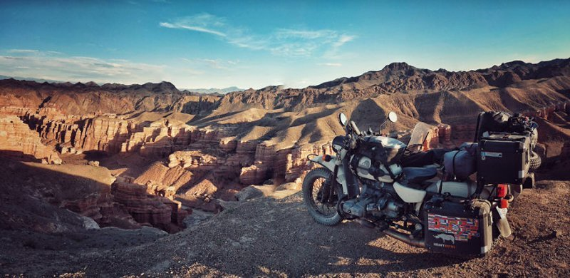 Чарынский каньон, Казахстан монголия, мотоцикл, мотоцикл с коляской, мотоцикл урал, путешественники, путешествие, средняя азия, туризм