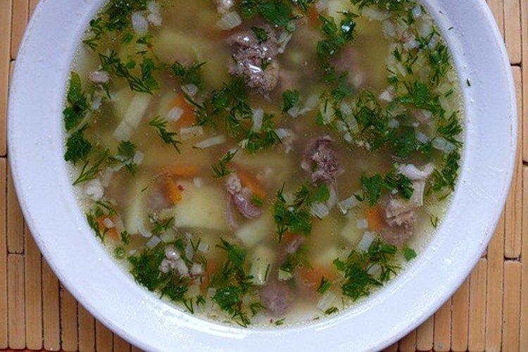 Суп из крапивы с тушенкой и пшеном