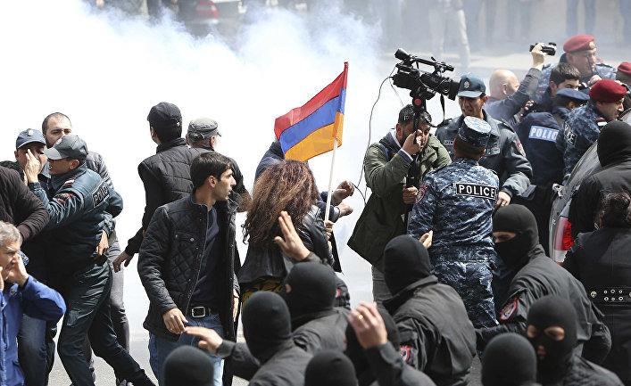 EurasiaNet, США. Армения: Ли…