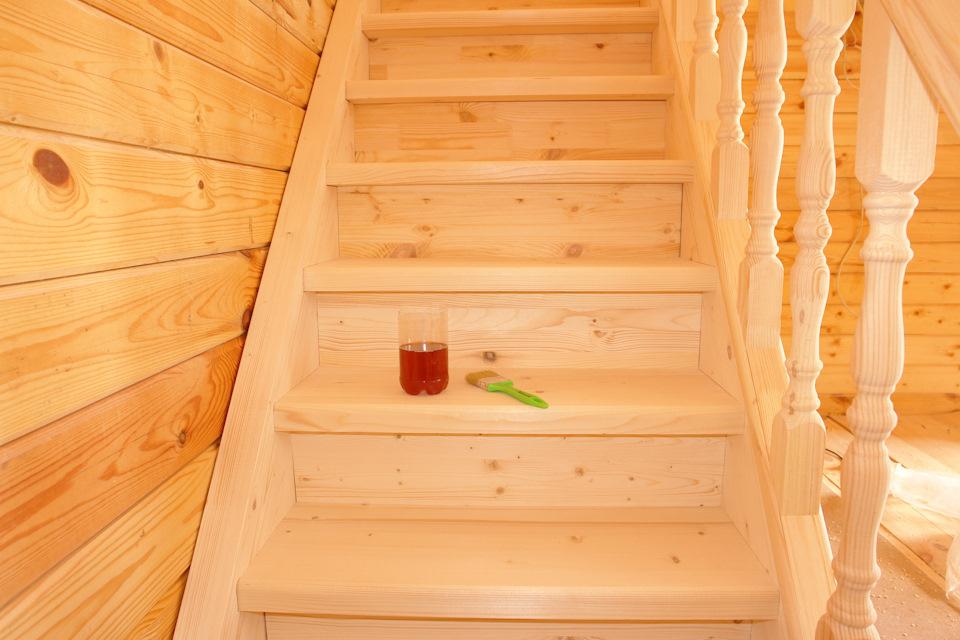 Лестница из дерева на даче своими руками фото 24