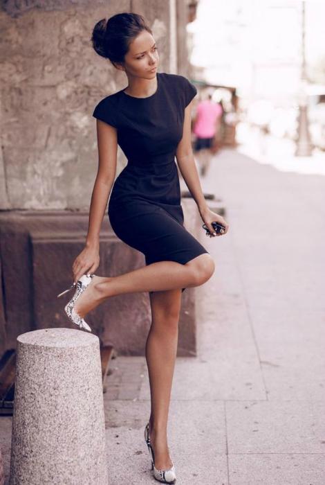 Обтягивающее платье.