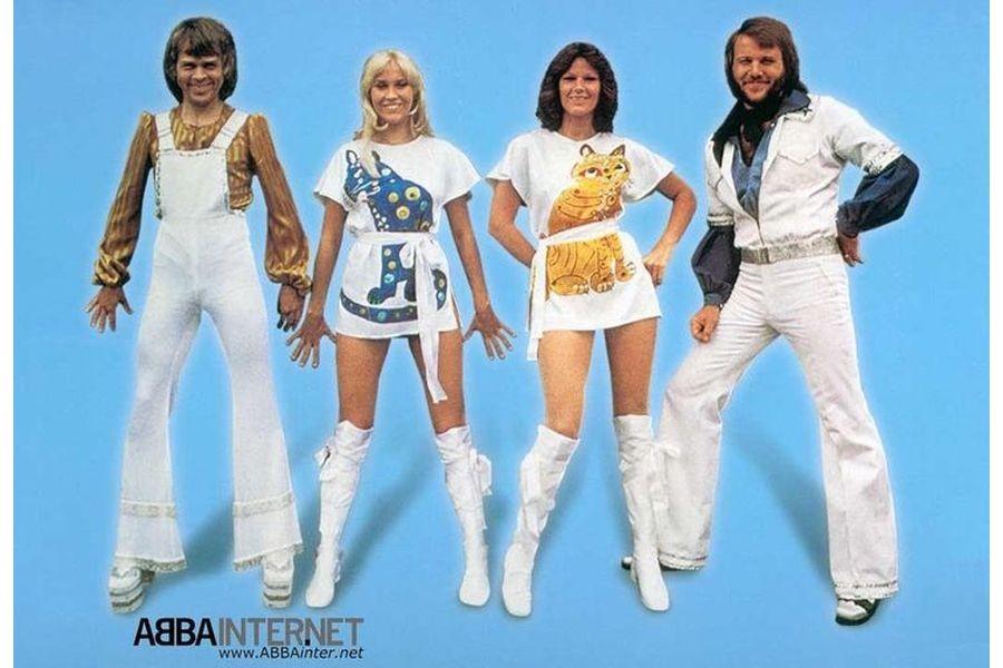 Группа «АББА» без одежды