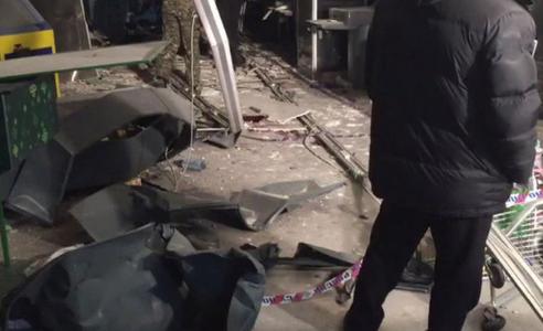 Подозреваемый в закладке бомбы в Петербурге попал на камеры видеонаблюдения
