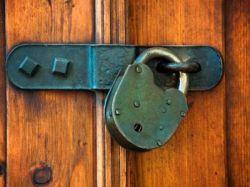 4 правила, как избавиться от квартирных рейдеров