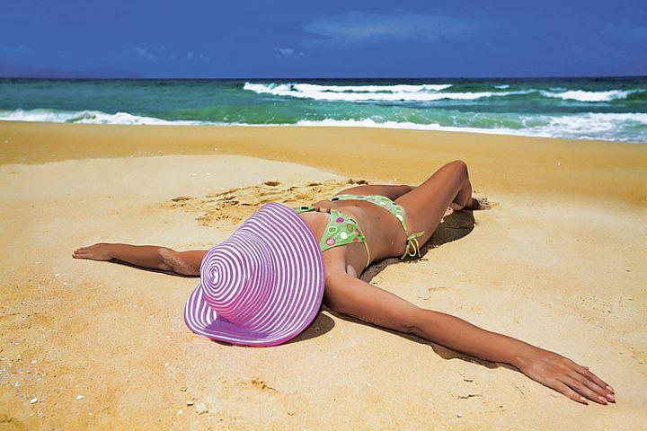 Туроператоры назвали самые дешевые пляжные направления на бархатный сезон