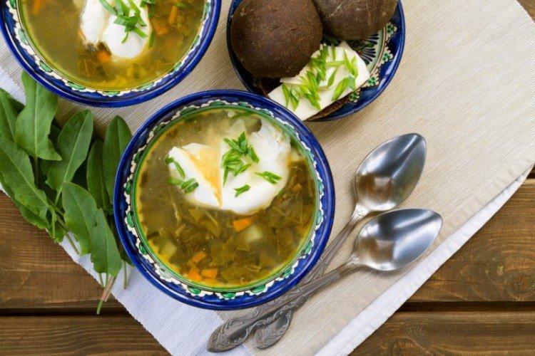 Суп с крапивой, щавелем и черемшой