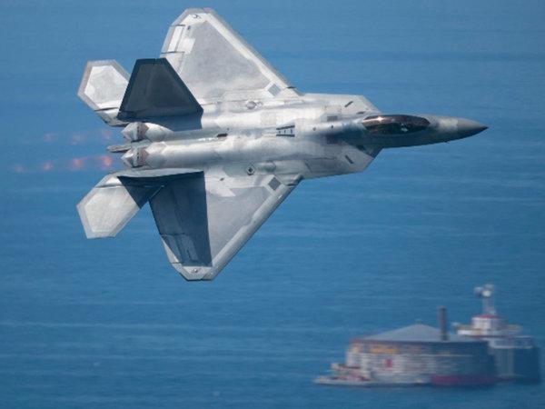 Американские истребители F-22 уклонились от выполнения задач в Сирии из-за российских радаров