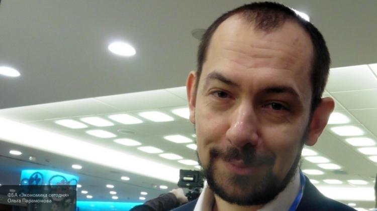 Провал «укропа» Романа Цимбалюка: хотел обидеть Захарову, но унизил Киев.