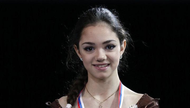 Медведева рассказала, как относится к обошедшей ее Загитовой