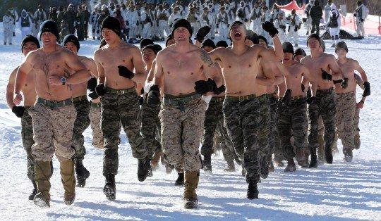 ВДВ РФ VS Морская пехота США - Кто сильнее?