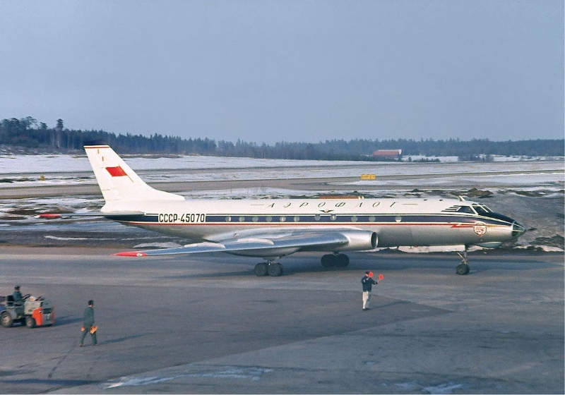 Над Ленинградом у самолета внезапно кончилось топливо. 25 лет власти скрывали информацию о случившемся